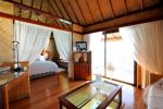 BOB Intercontinental Moana Overwater White Villa Junior Suite.gallery_image.1