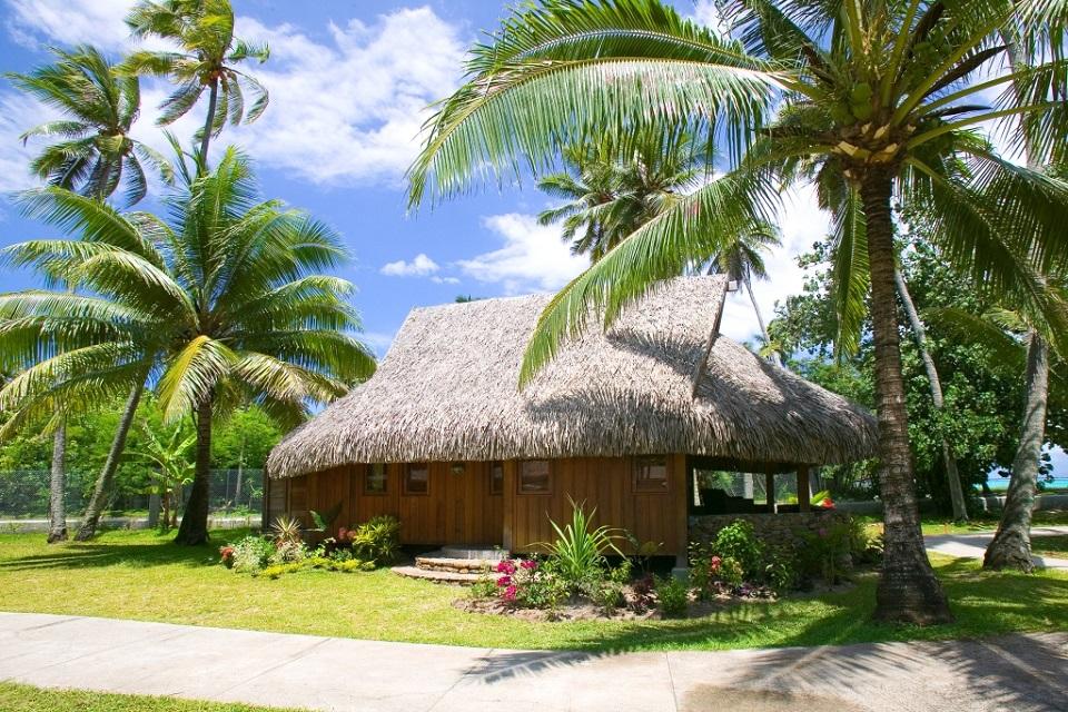 Sofitel moorea ia ora beach resort tahiti vacations for Garden pool bungalow moorea pearl resort